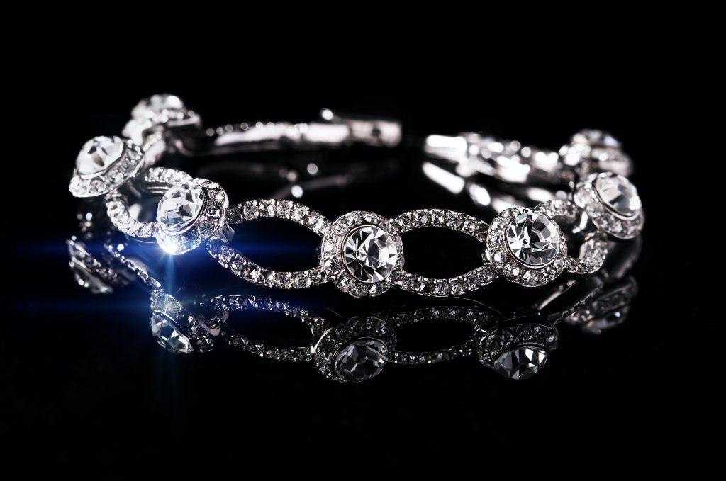 Bracelet ancien avec des diamants