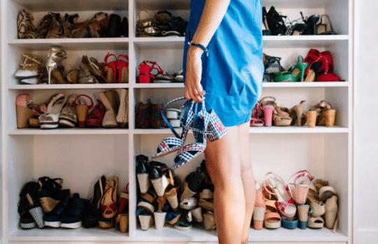 Quelles chaussures porter au bureau durant l'été?