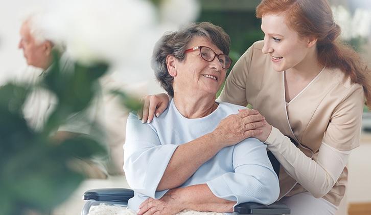 Senior : comment anticiper le maintien à domicile ?